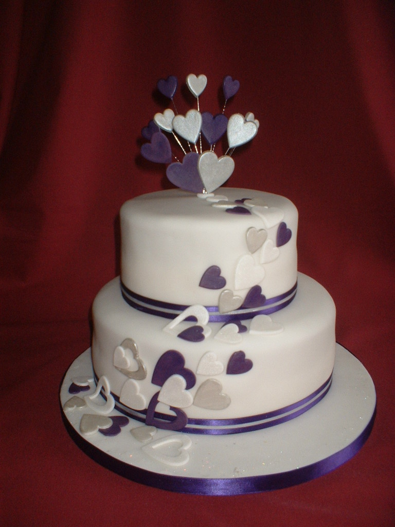 Wedding Cake Decorated With Hearts : Nejv?t?i m?ty o svatebnich dortech Nejkrasn?j?i Dorty