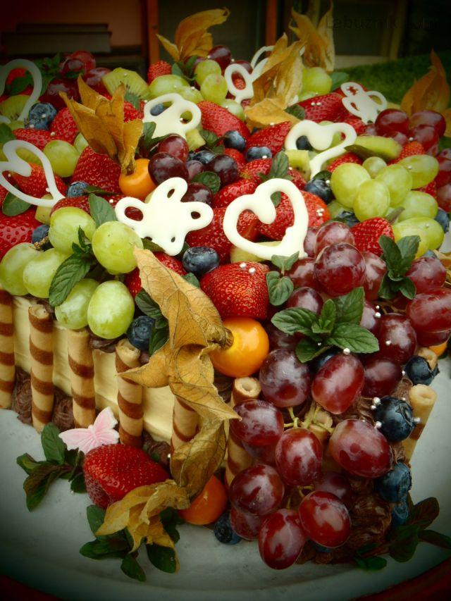 Svatební ovocný dort