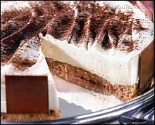 Sušenkový medový dort